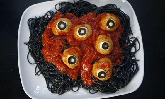 Ideas to Decorate Your Halloween Table 2020