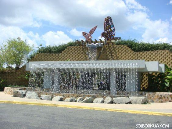 Fuente de la Libertad Entrada al Jardín Botánico y Cultural de ...