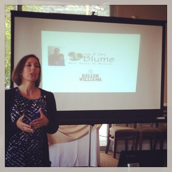 Amy Blume talking about the difference between buying and renting this morning! #kellerwilliams #referralnetworking #sandiegonetworking #realestate #buying #renting #sdrefnet #riverwalkgolf #businessnetworking #networking #freebreakfast #homebuying