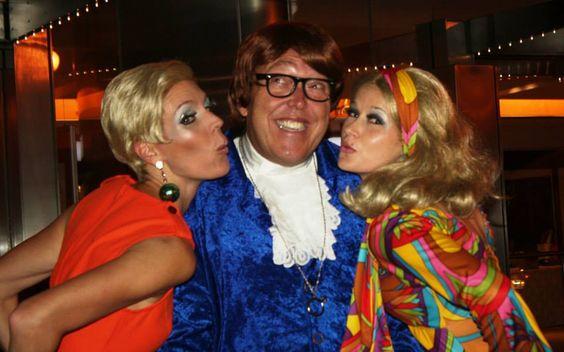 Austin Powers with Twiggy and Bond Babe