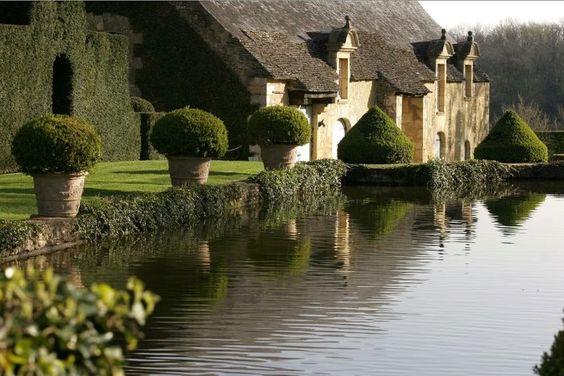 Jardin d'Eryignac, France, Veranda via Carolyn Englefield. Structured garden.