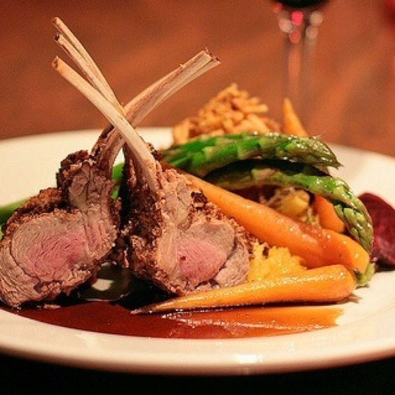 Lamb Chops With Pomegranate And Red Wine Sauce Recipe ...