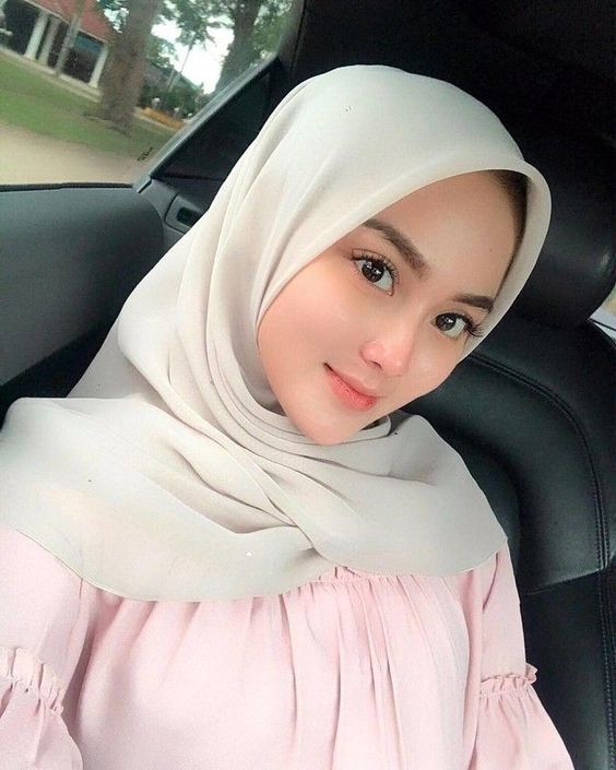 Cantik Putih Natural Dengan Bahan Alami   Wanita, Busana hijab modern,  Wanita cantik