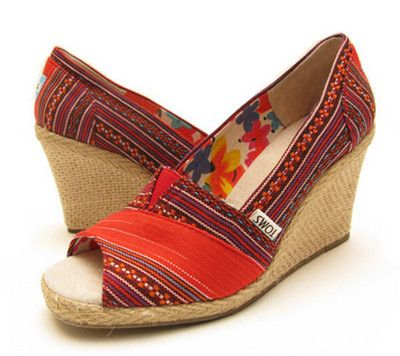 tom tom tom tom..: Toms Wedges, Favorite Shoes, Print Toms, Clothing Wishlist, Oh My Toms, Shoes Sandals, Addiction Shoes, Shoes Shoes