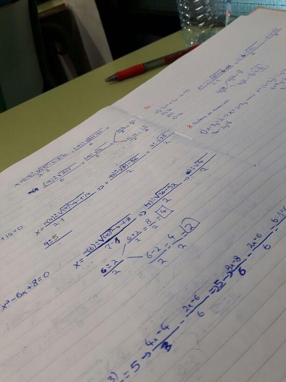 Hoy en matemáticas hemos empezado la semana en el campo de los expertos 2, expertos en ecuaciónes de segundo grado, incluso acabamos de hacer los ejercicios que de ecuaciones de segundo grado trataban. El profe también ha explicado en la pizarra algunos ejercicios de sistema de ecuaciones.