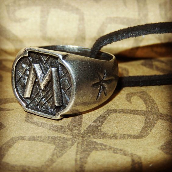 Jace Wayland / Morgenstern ring necklace by MagicalMultifandom, 18.07 etsy: