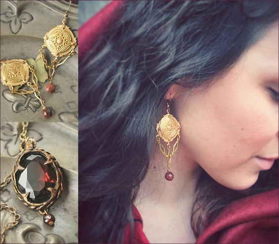 """Jewels by Lorliaswood. """"Pythia"""" earrings and """"Solve Coagula"""" Necklace. Available in the shop (www.lorliaswood.fr)"""