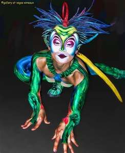 Cirque Du Soleil - love these shape-changing, species-warping costumes!