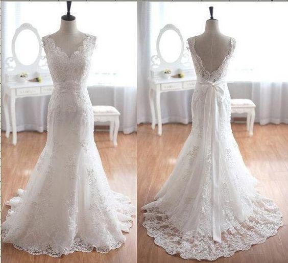 V-Ausschnitt+Spitze+Meerjungfer+Hochzeitskleid+von+Dreamflys+auf+DaWanda.com