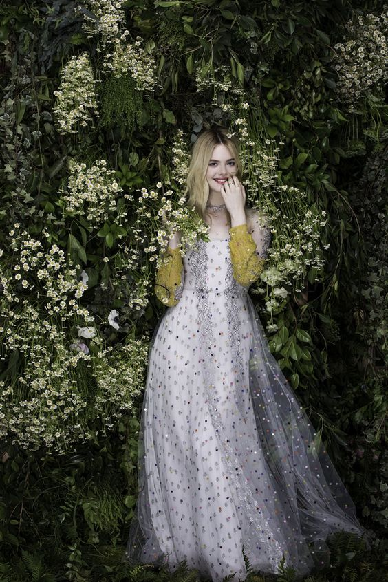 Elle Fanning: «Provo a essere felice»
