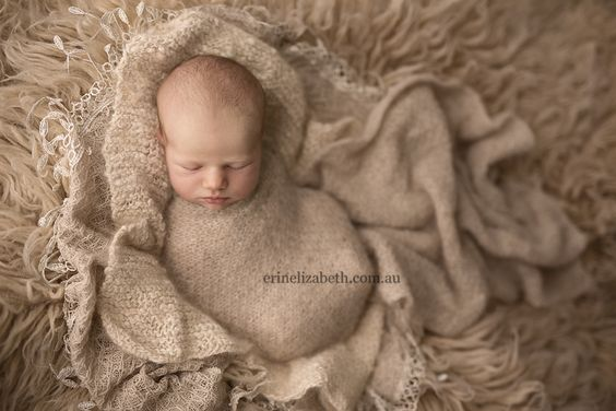 Erin Elizabeth Photography, of Perth, Western Australia. Beautiful photos of Newborn Photography05