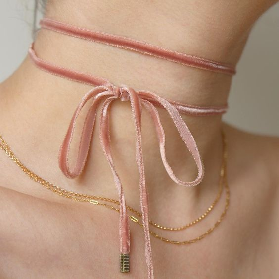 Pink velvet choker. Buy it here: http://www.ventronechronicles.com/shop/2pohzfh62rd0v32m3zr9gbf60yp0y4: