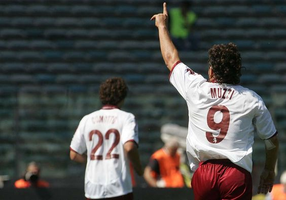 Roberto Muzzi: in granata due anni intensi e tanti gol pesanti https://t.co/Ynlfl341W1 Redazione Toro News https://t.co/YewmPanhNT