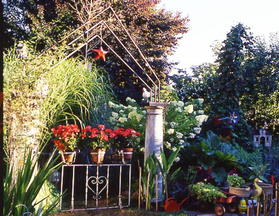 A DIY gate from country sampler magazine