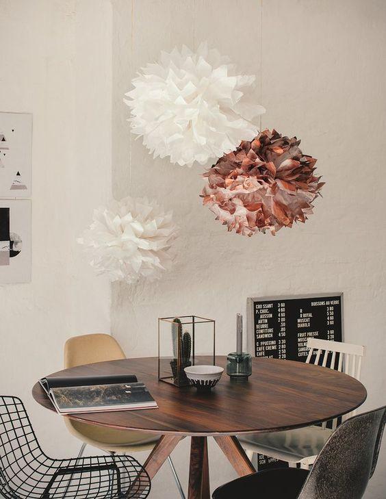 Schönes aus Papier: Pompons selbstgemacht #diy #paier #deko #accessoire