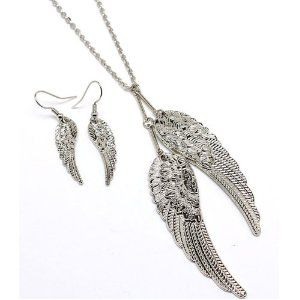 Celebrity Style Double Silvertone Angel Wings Necklace Earring Set. . . want this set
