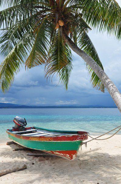 Caribbean paradise - Archipelago San Blas, the land of Kuna Indians, Panama.