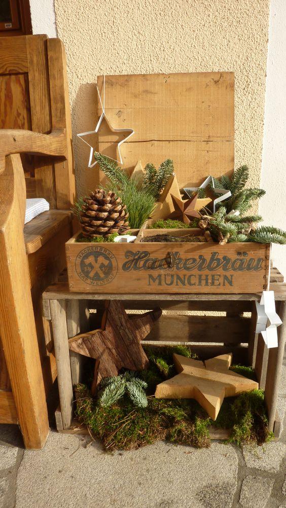 alte Holzkiste, Weihnachtsdeko