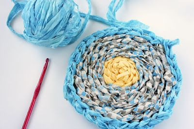 DIY: crocheted rag rug