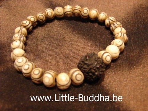 Little Buddha armband M/V  Yakbeen met Rudraksha noot : Benen kralen worden door jarenlang gebruik steeds mooier en gaan natuurlijk heel lang mee. Op ieder kraal zijn 2 ogen van Boeddha gegraveerd + het 3e goddelijke oog.  Bij Little-Buddha op de Vlasmarkt 9 in Antwerpen. |   http://www.little-buddha.be