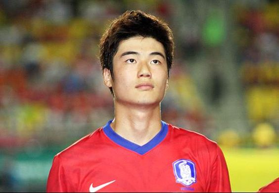 Footballer Ki Sung Yeung's Season To End Early Due to Surgery | Koogle TV