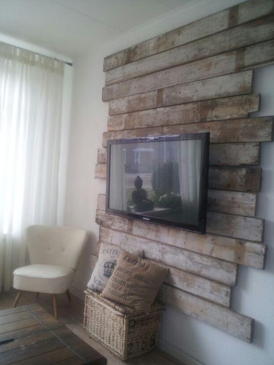 Mijn nieuwe tv muur/ kast.  Is gemaakt van sloophout uit een oude schuur! !