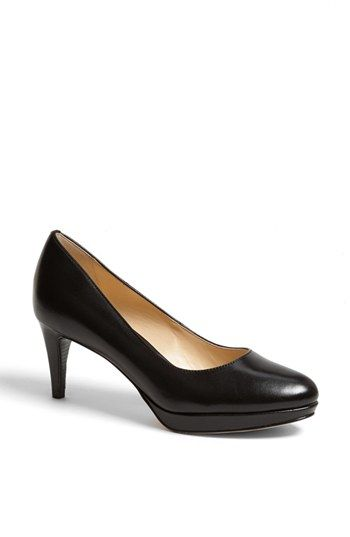 Fashionable Comfort Shoes: Cole Haan Chelsea Low Leather Pump