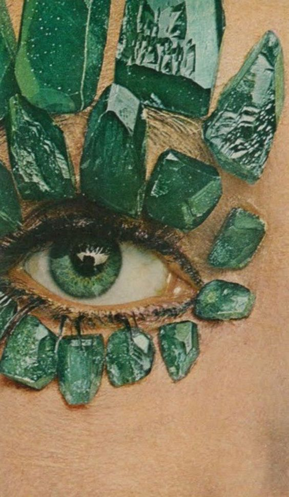 Green: Emerald eye.:
