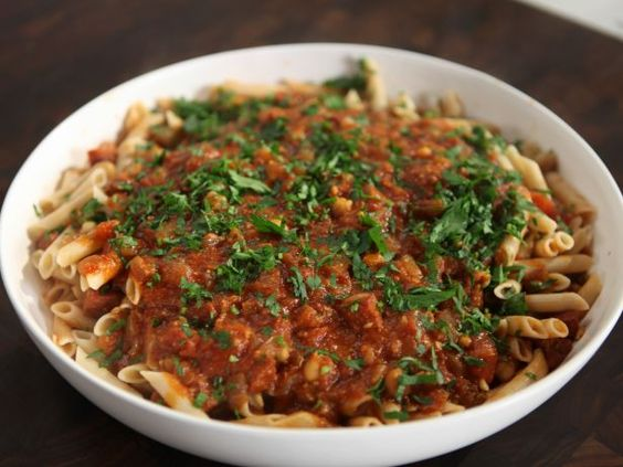 As seen on Rachael Ray's Week In A Day: Chorizo and Chickpea Sauce with Rice Pasta: Food Recipes, Pasta Recipes, Pasta Sauces, Chorizo Pasta, Chorizo Recipes, Recipes Pasta Galore