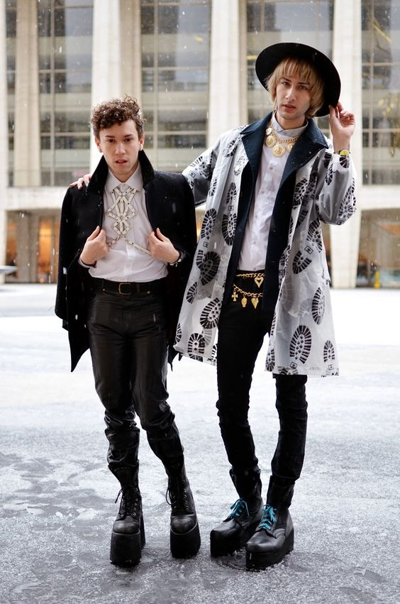 31 Photos Of What People Wore To Fashion Week In The Blizzard