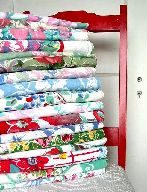 I love vintage tablecloths!