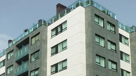#Edificios #Contemporaneo #Balcon #Exterior #Fachada #Vidrio #Plantas #Ventanas