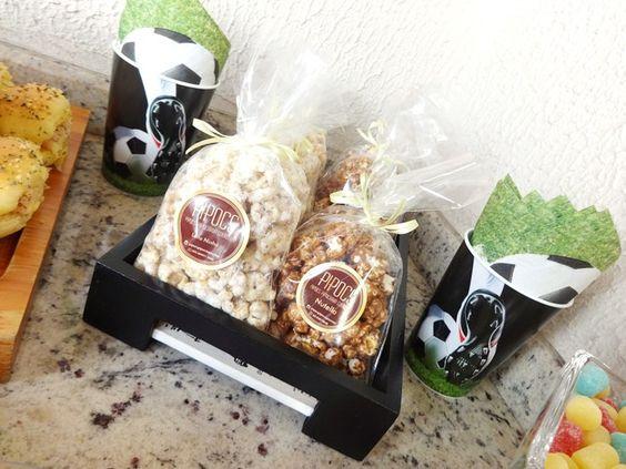 Pipocas Gourmet são sucesso garantido nas festas. Os sabores escolhidos: Nutella e Leite Ninho