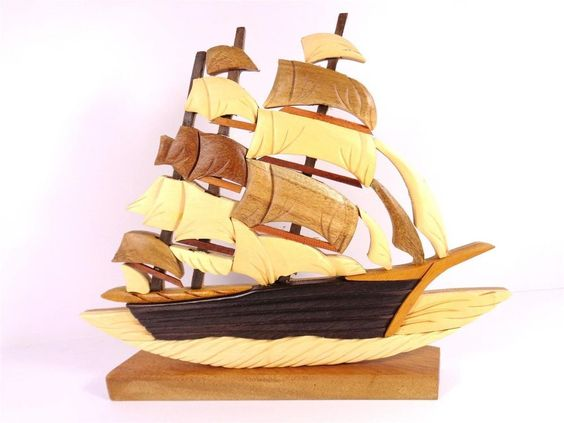 NAUTICAL NATURAL WOOD CLIPPER SAILING SHIP DECORATIVE ARTWORK TABLE FIGURINE