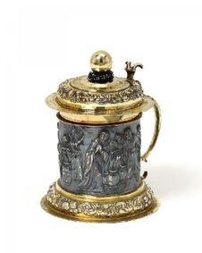 Silber: Deckelhumpen mit Weinwunder der Hochzeit zu Kana. Augsburg. .