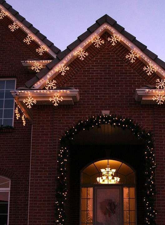 outdoor holiday lighting ideas architecture. Luces Navideñasde Color Blanco Rojo Y Verde Decorando La Casa En Navidad | Pinterest Christmas Lights, Outdoor And Holidays Holiday Lighting Ideas Architecture