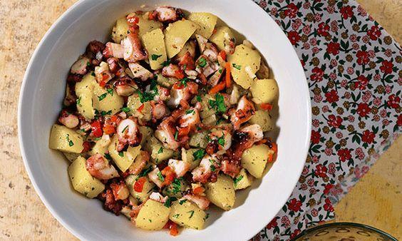 Salada de polvo. Seja como entrada ou como prato principal, esta receita de polvo é ideal para qualquer altura do ano.