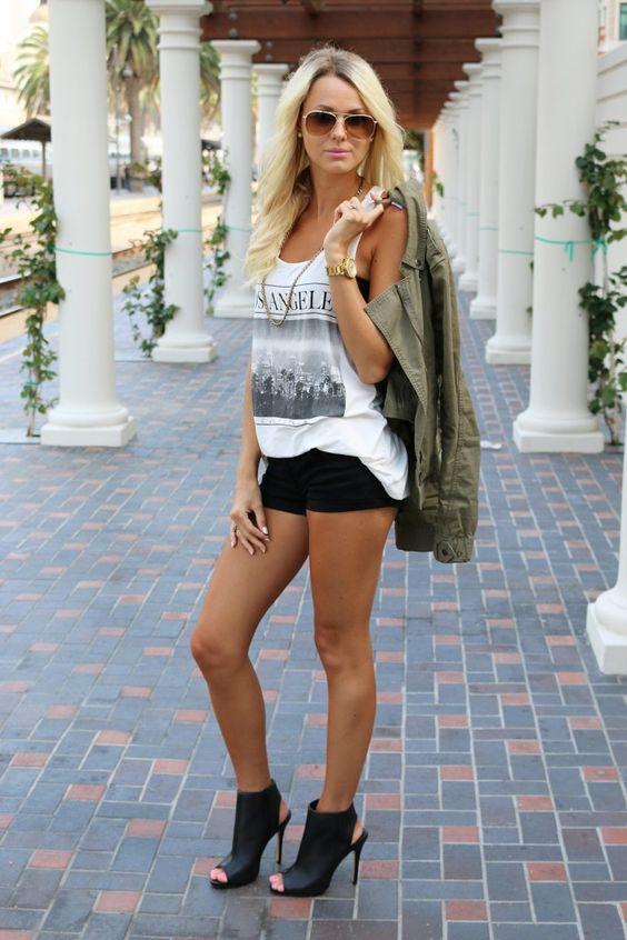 Los Angeles tank   Army green jacket   Fashion Blogger
