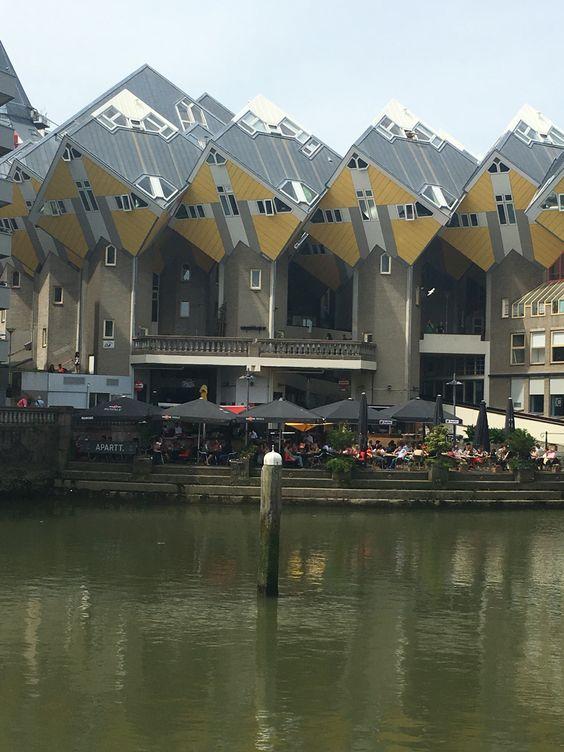 Róterdam, Bruselas