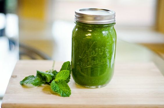 Morning Mojito by soletshangout: Cucumber + Romaine Lettuce + Lime + Pear + MInt!