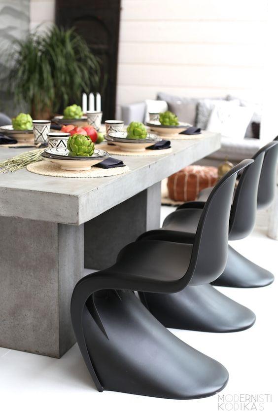 Las sillas verner (replica Panton) por ser de plástico son ideales para un…