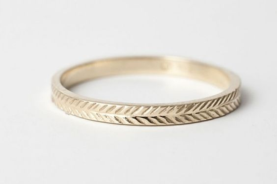 Wheat patterned ring! What a nod to the lovely Midwest. Though I suppose Jess isn't actually from Kansas...