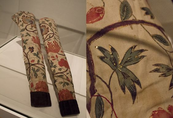 Sleeves form Hindeloopen, showing rare chintz with leaf gold (India, 1700-1750). Usually meant for the Indian royalty, this chintz was rare in Europe.