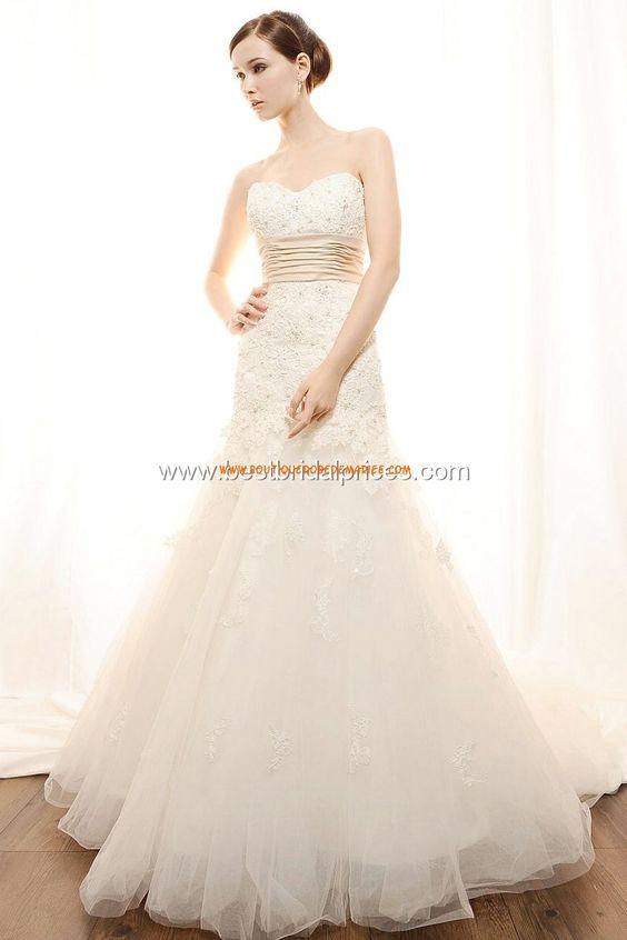 Belle robe de mariée dentelle tulle cristaux
