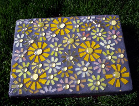"""This is the first in a series of a retro 70's themed """"Flower Power"""" stepping stones.  I've been having a ton of fun working on this series !!"""