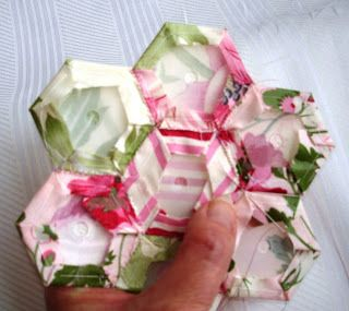 New Hexi Method! =) Learn how to use Mylar Templates to make the Grandmother s Flower Garden ...