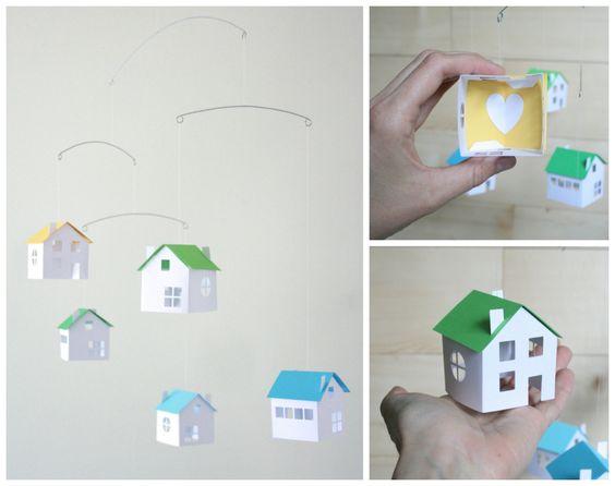 Petites maisons de papier - Mobile équilibré - bleu vert jaune Decor - scandinave moderne - bureau et maison - lit de la chambre de bébé - cadeau Unique par LoveLouHome sur Etsy https://www.etsy.com/fr/listing/384731570/petites-maisons-de-papier-mobile