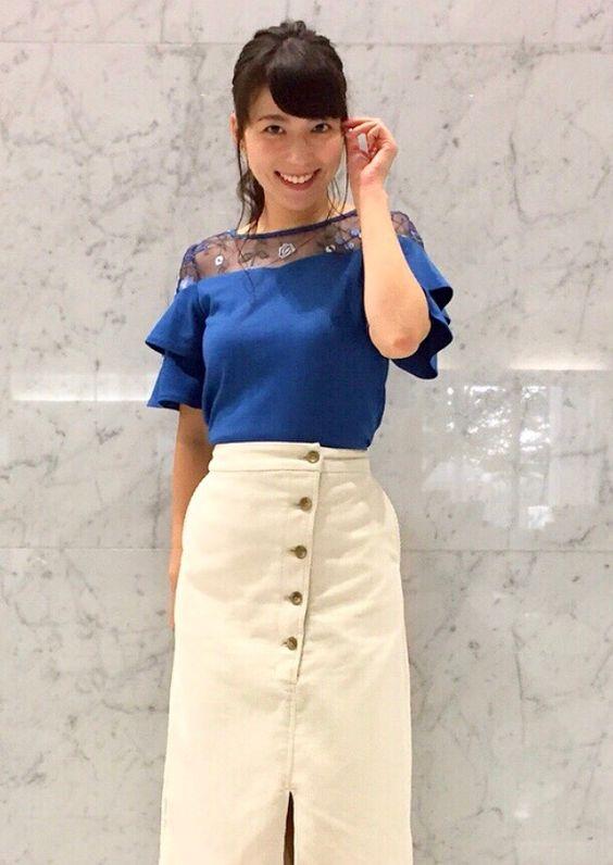 阿部華也子タイトスカートが大人っぽい