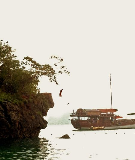 #Cliffjumping at Phra Nang Beach #Railay #Thailand