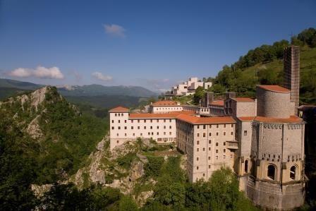 Ruta de los tres templos en el País Vasco. http://buff.ly/UKClFZ  @SpainIsCulture pic.twitter.com/QE6tIqBvlM